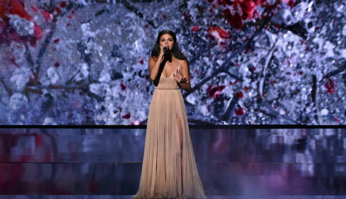 American Music Awards: la emotiva performance de Selena Gómez - 5