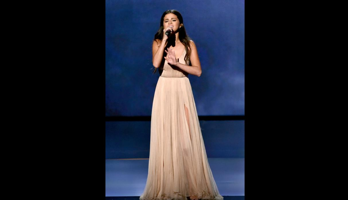 American Music Awards: la emotiva performance de Selena Gómez - 7