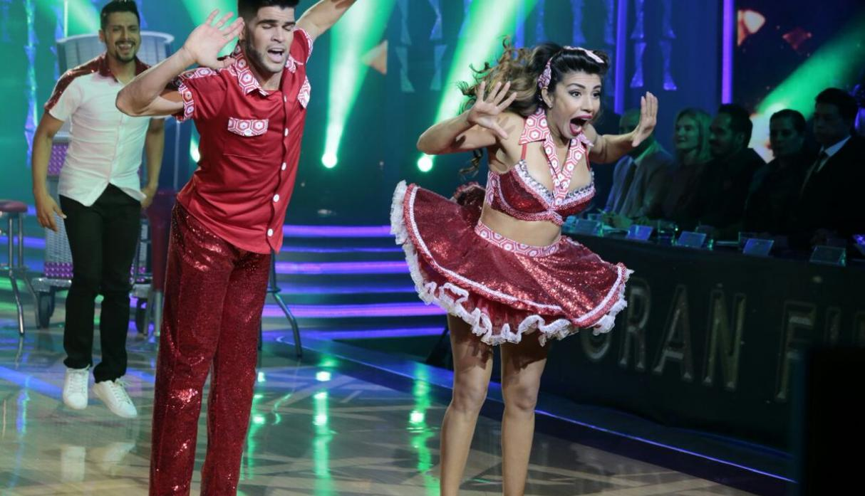 "Diana Sánchez bailando ""What I Like About You"", de la banda canadiense Lillix. (Foto: América TV)"