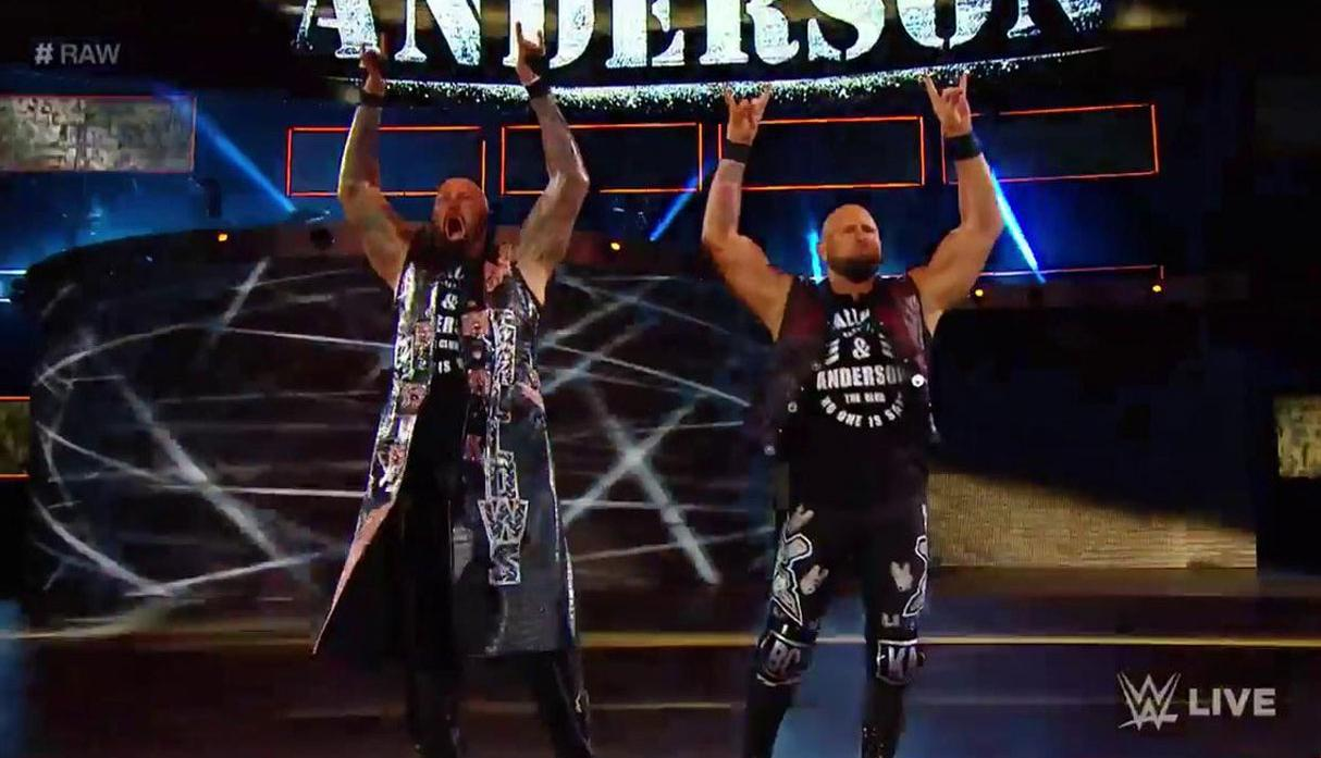 WWE Raw: The Hardy Boyz vencieron a Gallows & Anderson [FOTOS]
