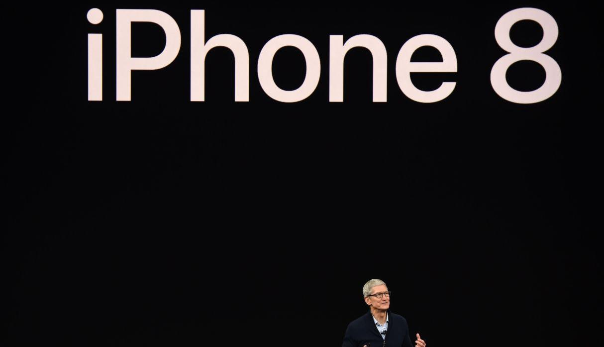 Tim Cook presentando el iPhone 8.(Foto: Reuters)
