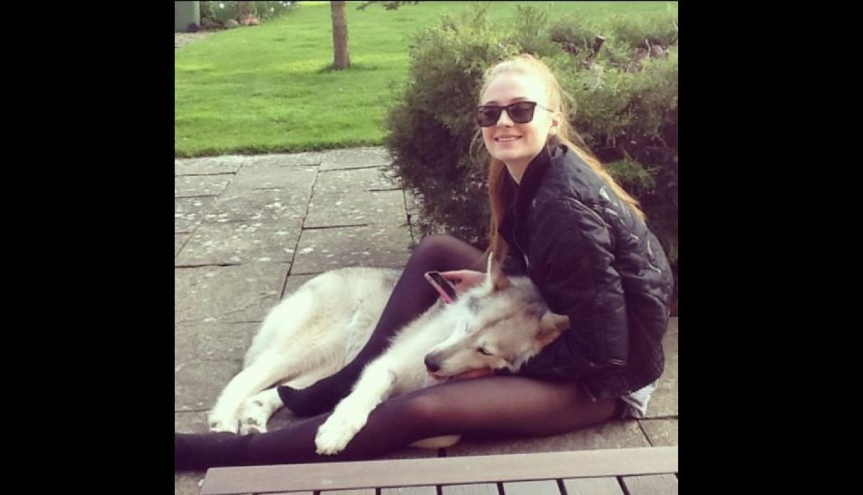 "Sophie Turner, actriz que da vida a Sansa Stark en ""Game of Thrones""."