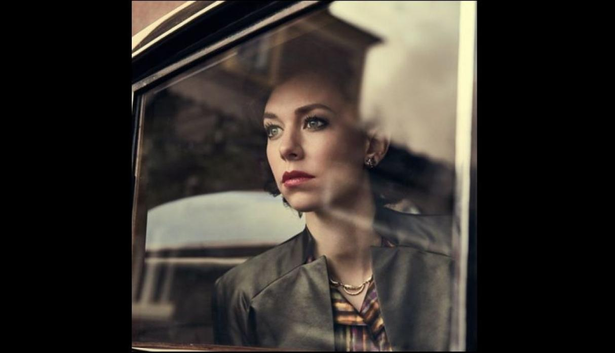"Vanessa Kirby, actriz de ""The Crown"""