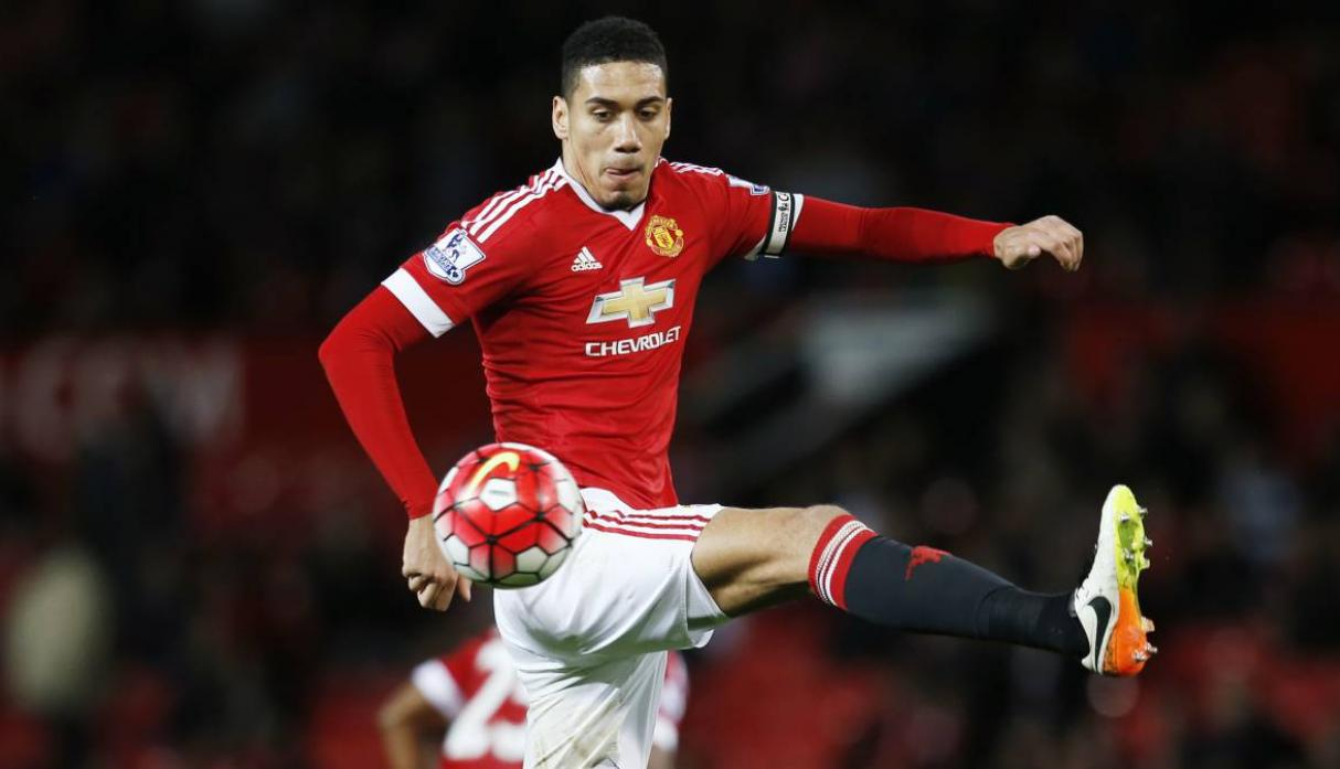 Christopher Smalling buscará moverse del Manchester United a a falta de regularidad. (Foto: AFP)