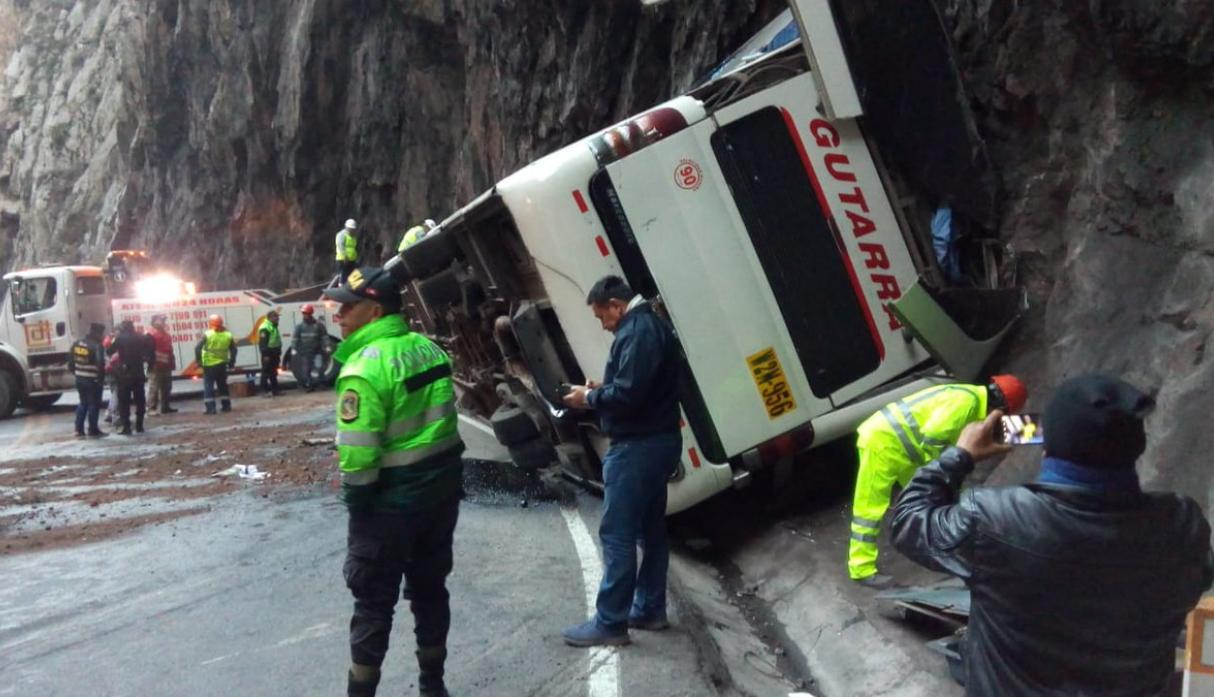 Carretera Central: tres personas murieron en accidente de bus interprovincial