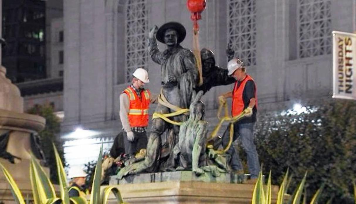 Quitan estatua racista en San Francisco