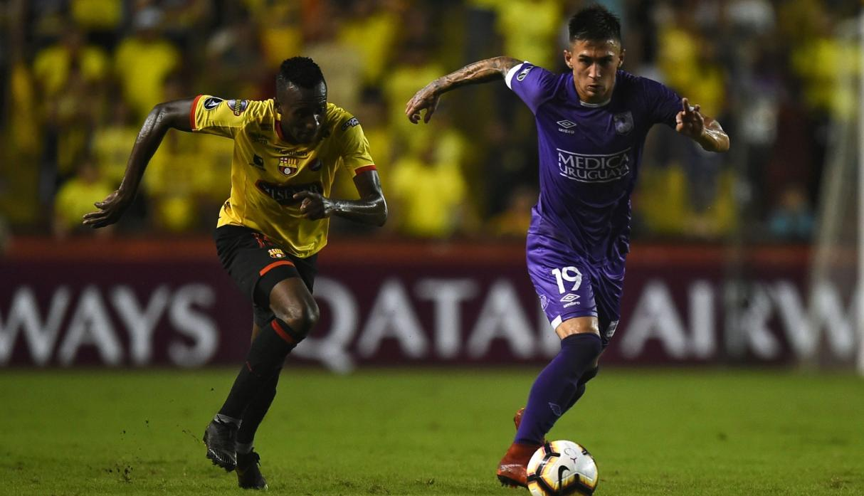 Barcelona vs. Defensor Sporting: Oyola marcó espectacular golazo para el 1-0 del cuadro ecuatoriano | VIDEO. (Foto: AFP)