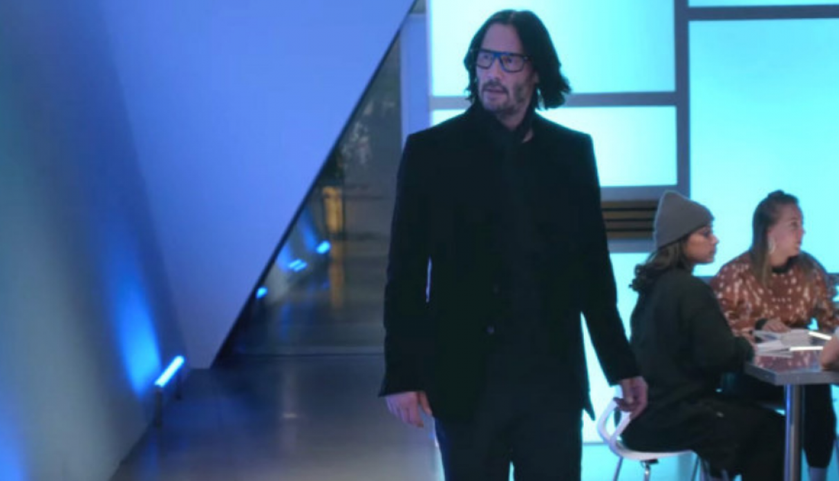 Keanu Reeves Walkign To Music