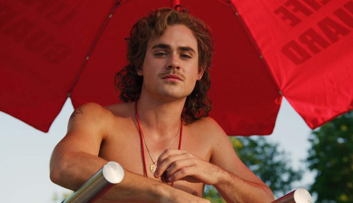 "Dacre Montgomery interpreta a Billy Hargrove en la serie ""Stranger Things"""
