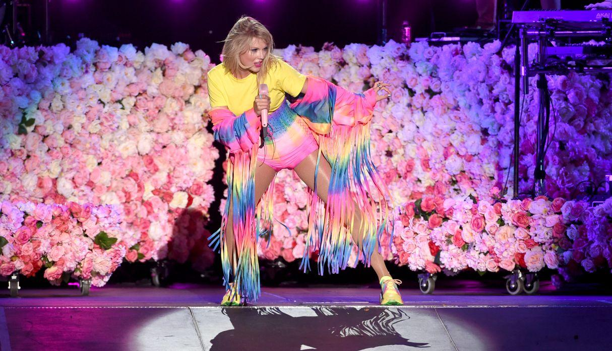 "Taylor Swift presentó su disco ""Lover"" en concierto exclusivo en París"