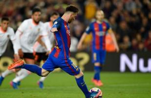 Lionel Messi igualó récord de Koeman con este penal [VIDEO]