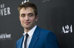 Robert Pattinson coquetea con posible spin-off de