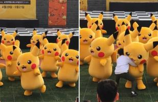 Hilarante incidente durante baile de Pikachu en Corea [VIDEO]