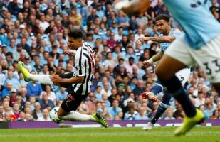 Manchester City vs. Newcastle United: Kyle Walter anotó fenomenal gol para el 2-1 de los 'Citizens'