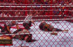 WWE Hell in a Cell 2018 | Roman Reigns y Braun Strowman fueron atacados brutalmente por Brock Lesnar | VIDEO
