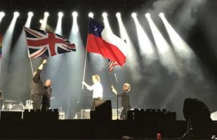 Paul McCartney izó bandera de Chile creyendo que era la de Texas y el video se hace viral