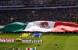México vs. Chile: ¡Orgullo Tri! Así se desplegó la gigantesca bandera en el Estadio Corregidora | VIDEO