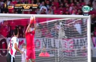 River Plate vs. Gremio: Armani evitó gol tricolor con soberbia intervención | VIDEO