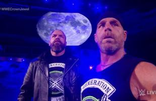 WWE RAW: Shawn Michaels sorprendió a The Undertaker y le metió una 'patada a la quijada' | VIDEO