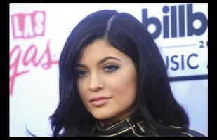 Kylie Jenner se muestra sin maquillaje y alborota a sus fans