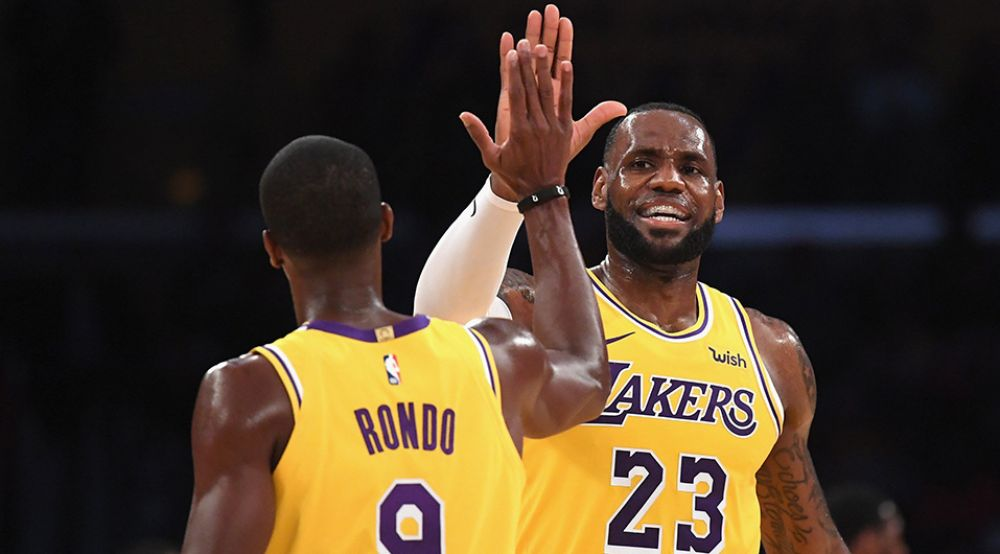 Los Lakers de LeBron vencieron a los campeones Warriors en amistoso