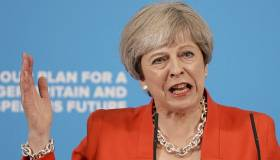 Theresa May condena el