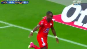 Luis Advíncula anotó gol ante Chivas por la Liga MX [VIDEO]